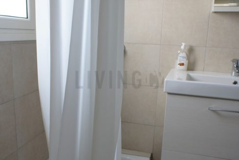 LivingInCy LCY R121 01