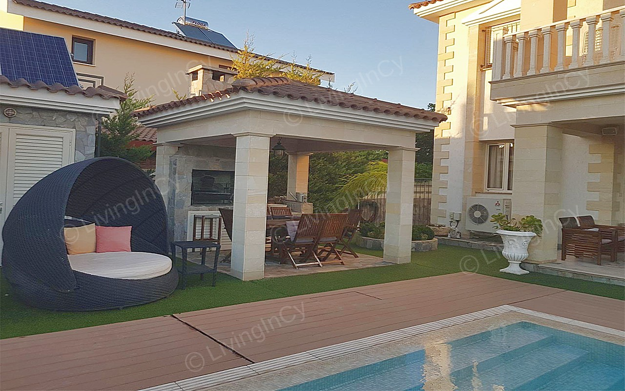Luxurious House For Rent In Kokkinotrimithia