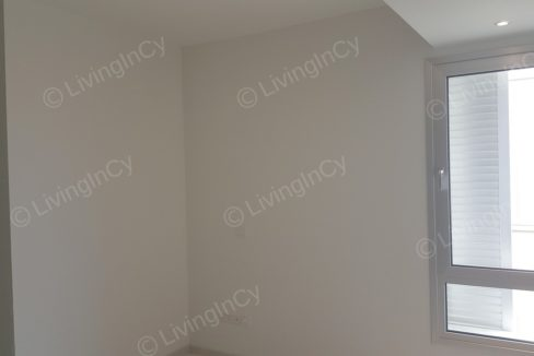 LivingInCy LCY R328 06