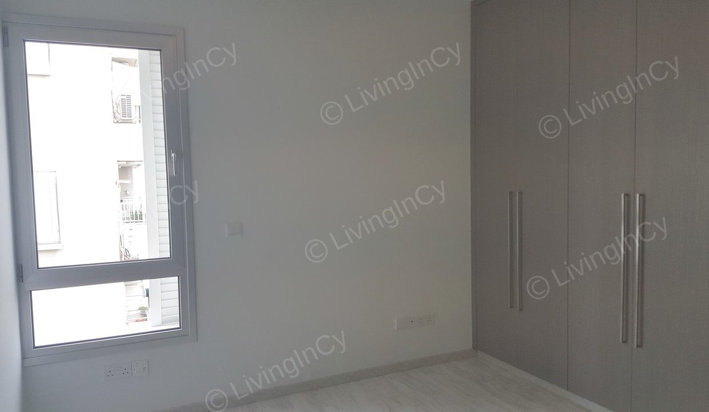 LivingInCy LCY R328 08