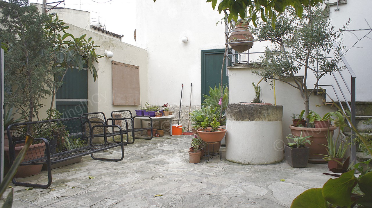 1 Bed House For Rent Furnished Dali