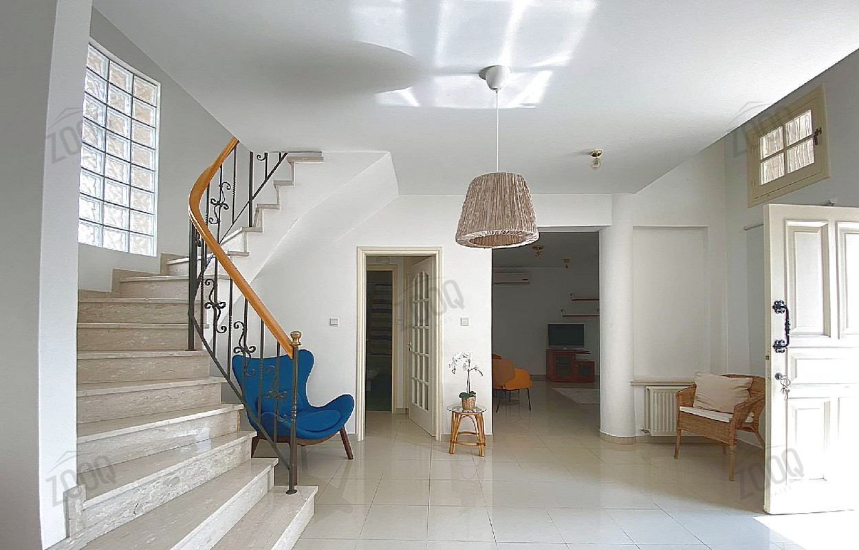 3 Bed Upper House For Rent In Engomi